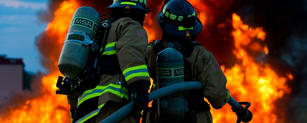 firefighter-2679283_1920